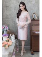 (Size L,XL,2XL) ชุดไปงานแต่งงาน ชุดไปงานแต่งสีชมพู Set เสื้อเปิดไหล่ผ้าไหม สีเทา แต่งลูกไม้แขนยาวเอวระบาย มาพร้อมกับกระโปรงผ้าไหมสีพื้นอย่างดี