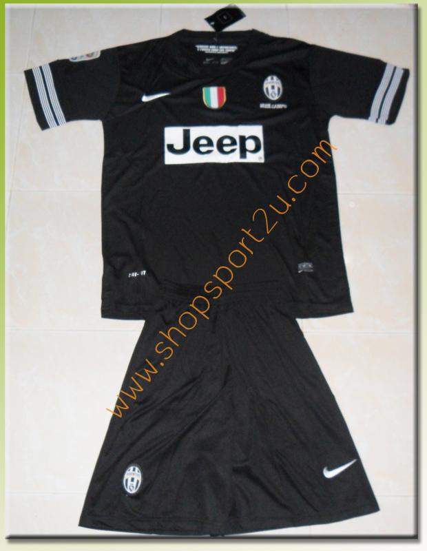 ชุดทีมเยือน Juventus 2012 -2013