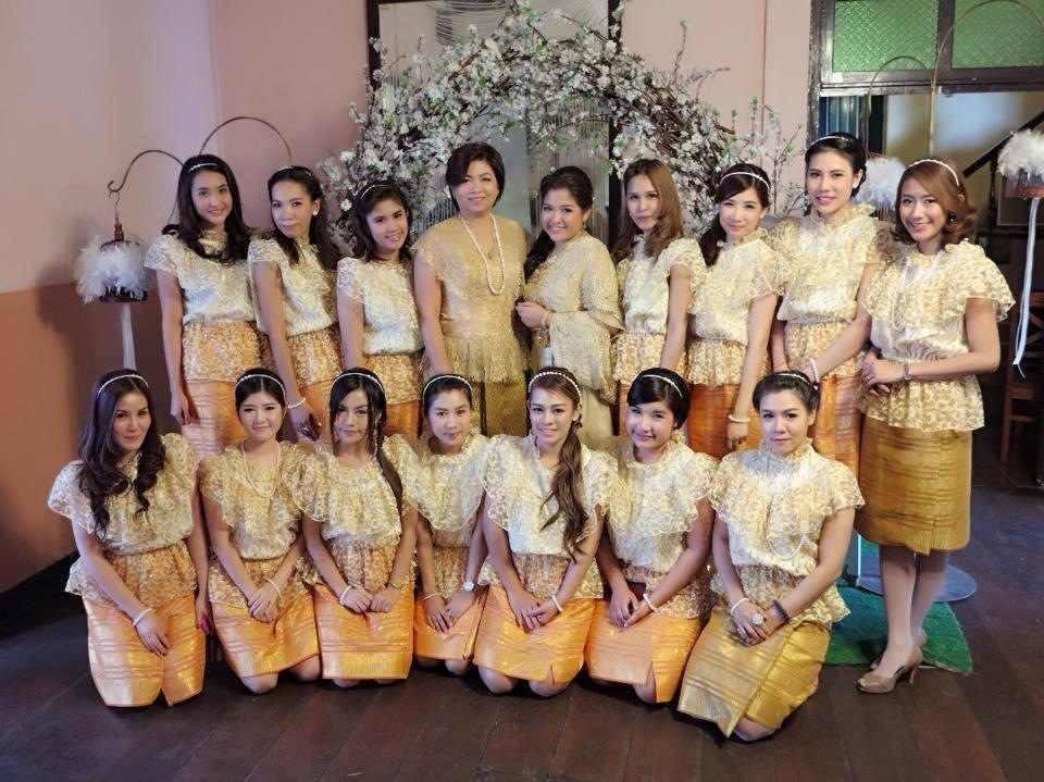 เช่าชุดไทยเพื่อนเจ้าสาว ราคาถูก
