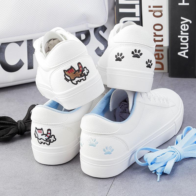 รองเท้าผ้าใบหนังนิ่มปักแมวด้านหลัง ได้เชือก 2 สี [พร้อมส่ง]