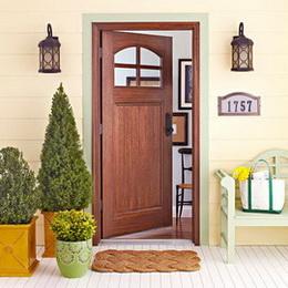 แต่งประตูบ้านไม้หลังเล็กๆสไตล์กระท่อม