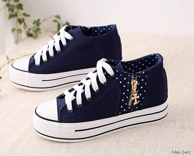 รองเท้าผ้าใบแฟชั่นผู้หญิงแต่งซิปข้าง เสริมความสูงด้านใน 6.8 ซม. ขนาด 35-39 (พรีออเดอร์)