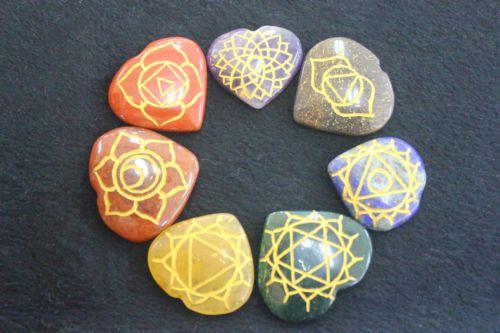 ชุดสัญลักษณ์ 7 จักระบนหินสี 7 ชนิด