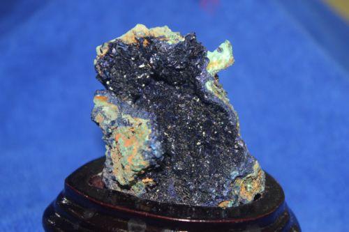 หินอซูไรต์ดิบ (Azurite)