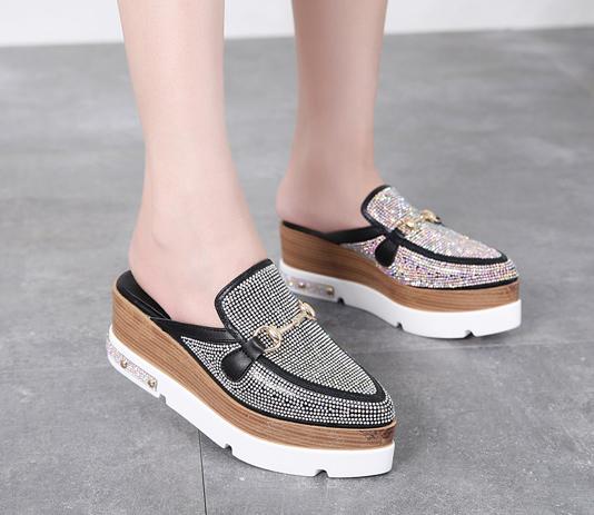 รองเท้าส้นเตารีดปลายแหลมแบบสวมติดคริสตัลเม็ดเล็กสุดหรู ไซต์ 34-39