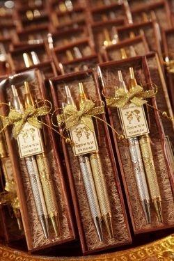 ของชำร่วยปากกาเงิน-ทองในกล่องไม้