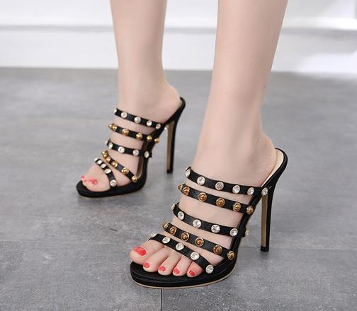 รองเท้าส้นสูงแบบสวม ไซต์ 35-40