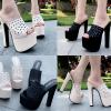รองเท้าส้นสูง 6 นิ้วแบบสวมสีครีม/ดำ ไซต์ 34-38