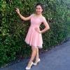 ชุดราตรีสีชมพูสั้น น่ารักใสๆสไตล์วนิดา
