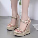 รองเท้าส้นเตารีดสีทอง ไซต์ 35-40