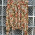 (หมดแล้วจ้า!!) เสื้อเปิดไหล่ ลายดอกไม้สวยหวาน สม๊อคที่เอวและข้อมือ เนื้อผ้าบางเบาใส่สบายสวย