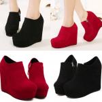 รองเท้าส้นเตารีดทรงบูทหุ้มเท้าสีแดง/ดำ ไซต์ 34-39