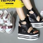 รองเท้าส้นเตารีด ไซต์ 34-39 สีดำ สีขาว