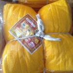 ผ้าขนหนู Cotton100% ผ้าเช็ดหน้า สีเหลือง/กรัก 12*12 นิ้ว โหลละ 170 บาท ส่ง 20โหล