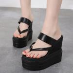 รองเท้าส้นเตารีดแบบคีบสีดำ ไซต์ 34-39