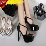 รองเท้าแฟชั่น ไซต์ 34-39 สีดำ,เงิน ,ลายขาวดำ