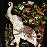 เสื้อยืดคอกลมลายช้าง