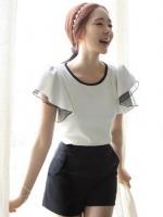 เสื้อแฟชั่นเกาหลี สีขาว ผ้ายืดคอกลม แขนระบายผ้าชีฟองน่ารัก (ใหม่ พร้อมส่ง) ร้าน Ladyshop4u