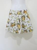 (สีเหลือง)กางเกงกระโปรง กางเกงใส่เที่ยว พื้นที่ขาว ลายดอกไม้ สีเหลือง สวย ดูดี (ใหม่ พร้อมส่ง) LadyShop4U
