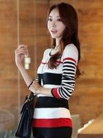 (สีขาวแดง) เสื้อใส่เที่ยว ทำงาน สบายๆผ้ายืดเข้ารูป คอกลม แขนยาว สีขาวสลับดำ แดง (ใหม่ พร้อมส่ง) ร้าน LadyShop4U