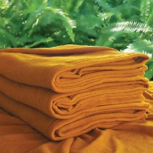 ผ้าห่มฟลีซพระ สีกรัก 50x80นิ้ว (125x200ซม) 660กรัม ส่ง 52 ผืน ผืนละ 180 บาท ส่ง 60 ผืน