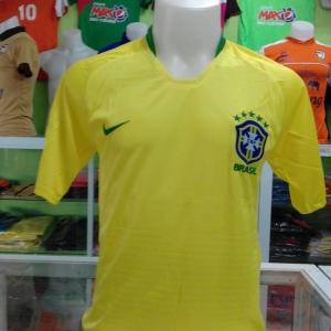ชุดบอลโลกทีมชาติบราซิล 2018