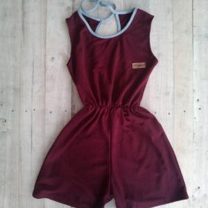 T2101 จั้มสูทกางเกงผูกด้านหลัง น่ารักมากๆ จ้า ผ้าจุติ ตัวนี้ สีแดงเลือดหมู