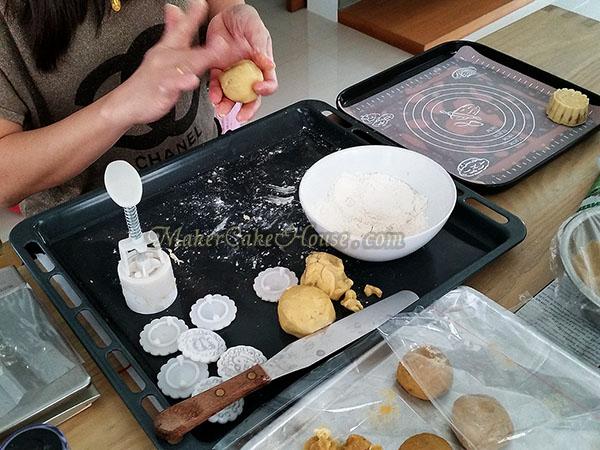 วิธีทำคุกกี้ไส้คัสตาร์ด 11
