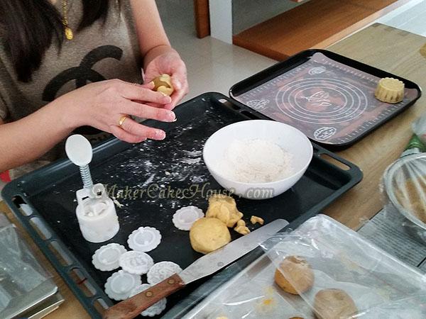 วิธีทำคุกกี้ไส้คัสตาร์ด 10