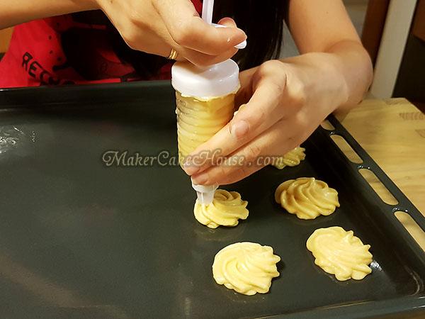 สูตรและวิธีทำเอแคลร์ ไส้คัสตาร์ดทุเรียน 10