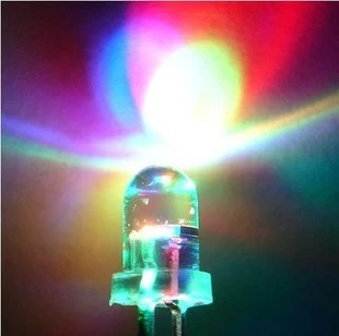 LED สีรุ้ง หลอดไฟ 3 สี 5mm เปลี่ยนสีอัตโนมัติ colorful f5 5mm led light tube color changing จำนวน 5 ชิ้น