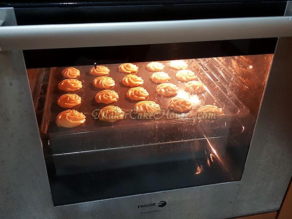สูตรและวิธีทำเอแคลร์ ไส้คัสตาร์ดทุเรียน 12