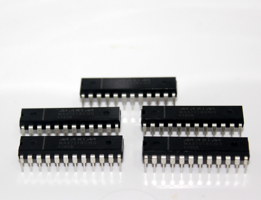IC MAX7219 สำหรับขับ 7 Segment 8 หลัก MAX7219CNG MAX7219CN MAX7219C MAX7219 จำนวน 5 ชิ้น