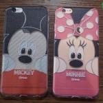 iPhone 5, 5s, SE - เคสใสลาย Mickey & Minnie เกาะกำแพง